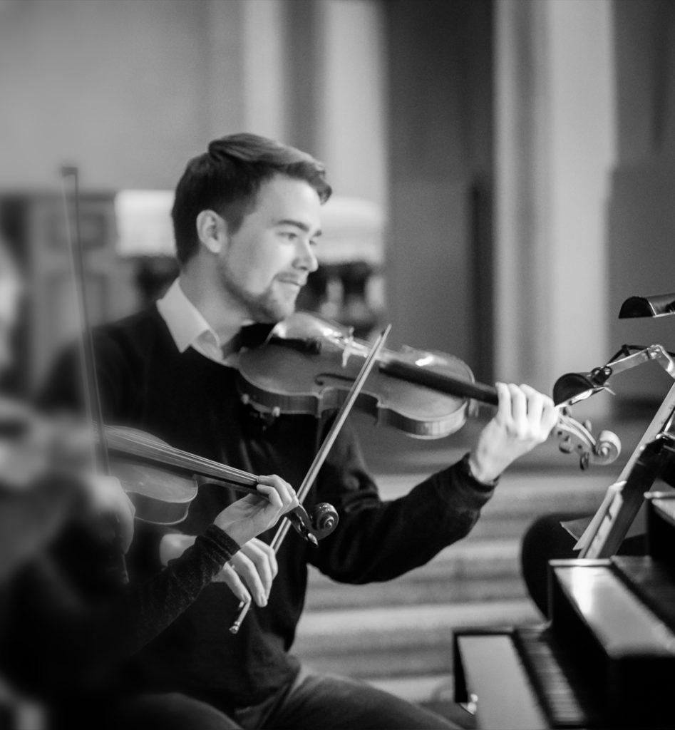 Palkkaa muusikko: Viulisti Knuut Nissinen