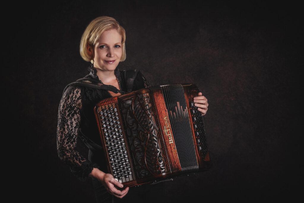 Palkkaa muusikko: Anne-Mari Kanniainen